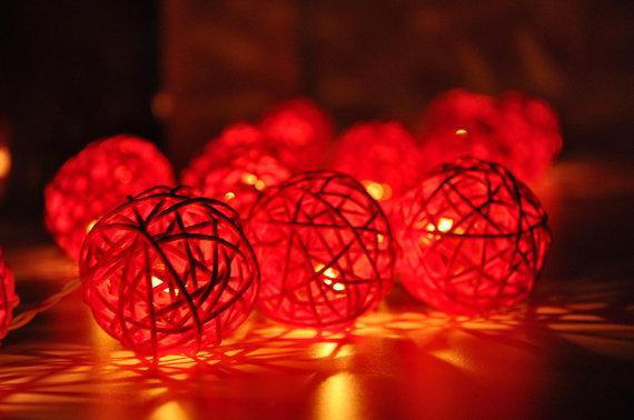 IZPĀRDOŠANA! Rattan bumbiņu LED virtene ar elektrības pievadu